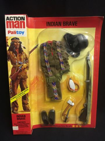 ACTION MAN - INDIAN BRAVE Uniform - CARDED NEAR MINT old shop Stock case fresh